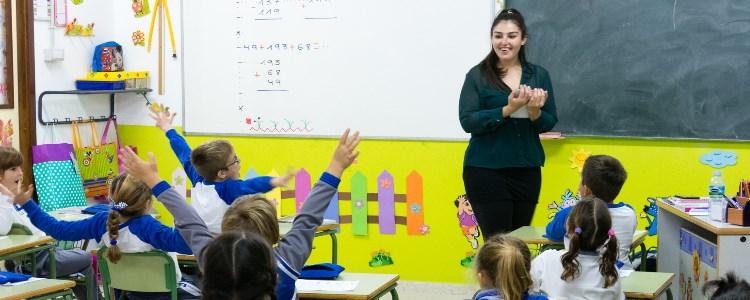 Profesores australianos, británicos e irlandeses para el proyecto bilingüe